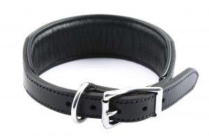 Collare largo in cuoio con imbottitura adatto a cani di grossa taglia.