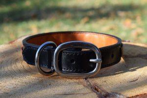 Collare in cuoio spinato taglia M realizzabile con oltre 10 diversi modelli di fibbia in acciaio inox e ottone.